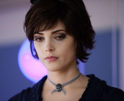 Alice Lovie6