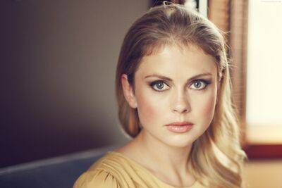 Anna Orlais II. Wide