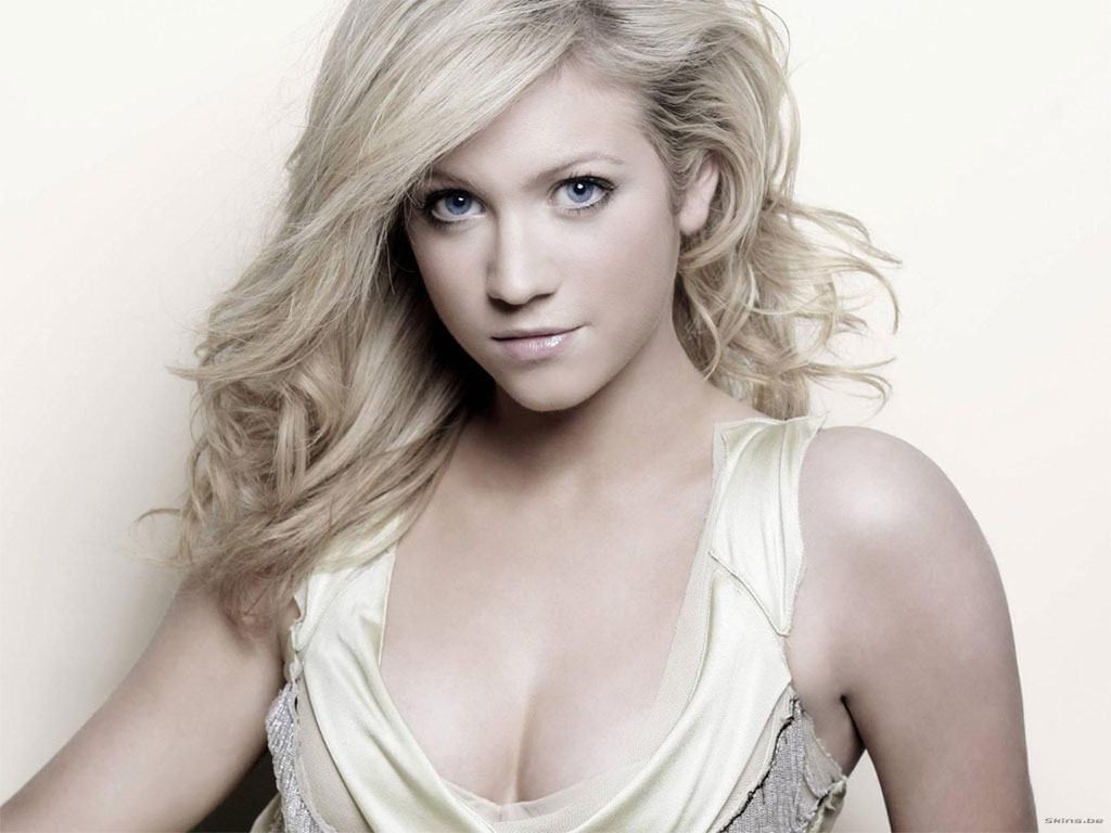 picture Brittany Snow