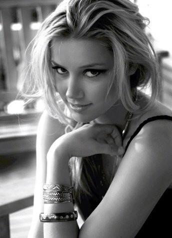 Amber Heard Black and White