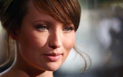 Emily-Browning-1