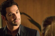 108 Lucifer staring at Chloe
