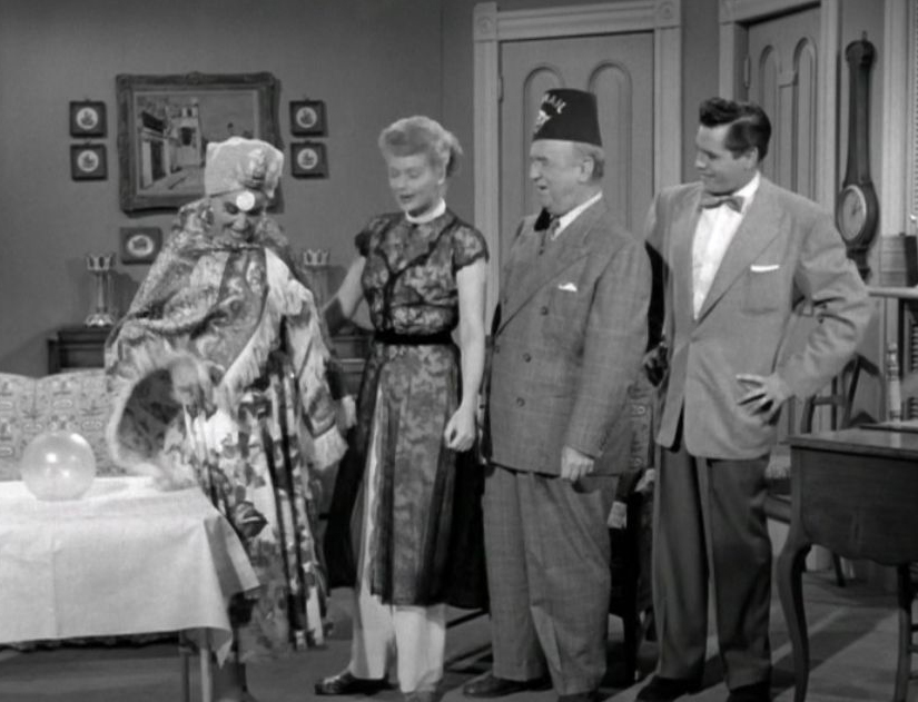 The Séance | Lucille Ball Wiki | FANDOM powered by Wikia