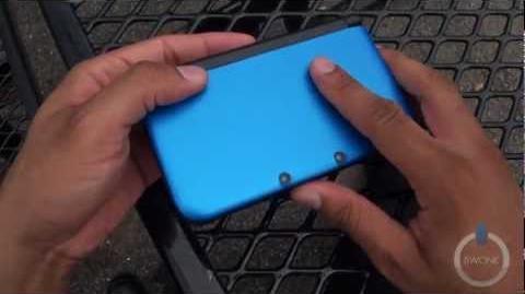Unboxing the blue Nintendo 3DS XL