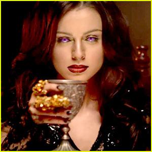 Cher-lloyd-with-ur-love-video