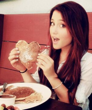 Ariana-grande-breakfast-cat-valentine-cute-girl-Favim.com-305986