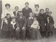 Frank & Christina Fencil with children