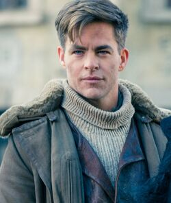 Chris-Pine-on-Set-of-Wonder-Woman