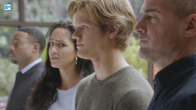 File:Screwdriver - Promotional Images 6.jpg