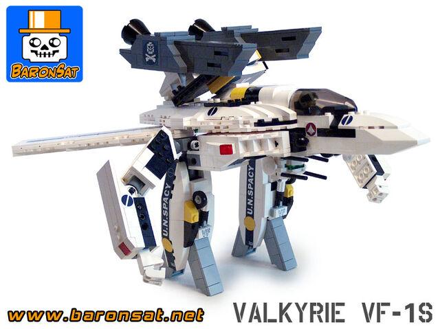 File:Valkyrie VF-1S-04.jpg