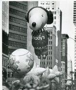 Snoopy-balloon-annual-macys 1 142e0e63e97fd29c8f88a726189848d6