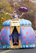 2016-11-24 Macy's 90th Thanksgiving Day Parade AMY 9114-L