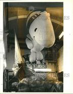 1988-Press-Photo-Peanut-character-Woodstock-Thanksgiving-Day