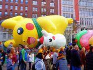 Macys-Thanksgiving-Parade-Inflating-Balloons-335x252