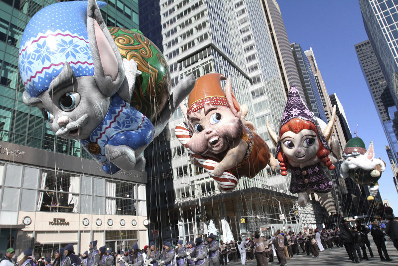 Christmas Chronicles Sleigh.The Christmas Chronicles Macy S Thanksgiving Day Parade