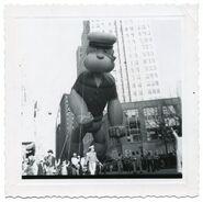 3f855cd4c0f81510a12bb3fc299701c4--vintage-illustrations-balloon