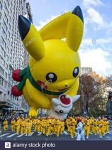 New-york-usa-28-november-2019-performers-carry-a-pikachu-balloon-at-the-macys-thanksgiving-parade-in-new-york-city-credit-enrique-shorealamy-live-news-2ABP793