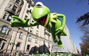 Macys-Thanksgiving-Day-Parade-Kermit-the-Frog