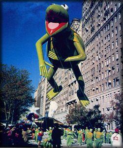 File:Kermit balloon.jpg