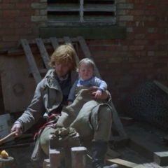 Ребенок в руках бандита