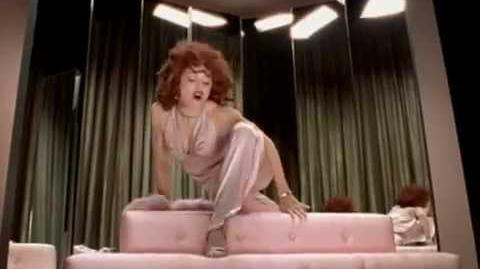 Madonna - Hollywood (Video)