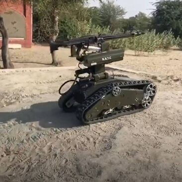 This-remote-controlled-robot-can-carry-and-shoot-a-mounted-machine-gun