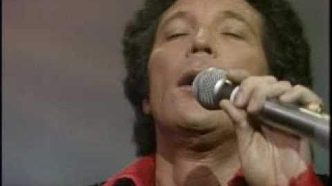 TOM JONES - PLEASE RELEASE ME (LIVE)