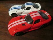 2-Maisto-1998-Dodge-Viper-GT-2-1-64- 1-1