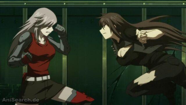 File:Momoyo vs. Takae.jpg