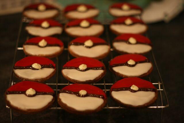 File:Pokeball Cookies.jpg