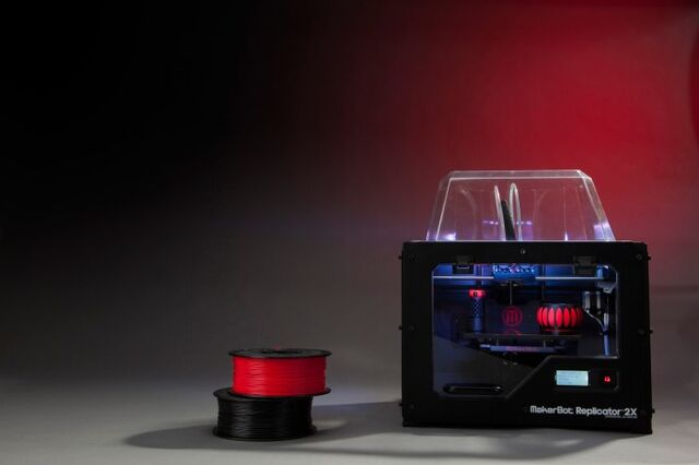 File:MakerBot Replicator2X high 3-700x466.jpg