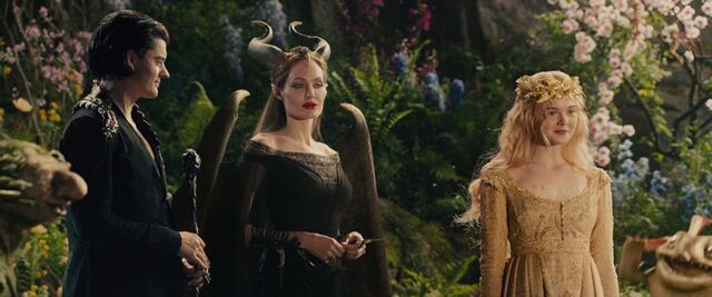 File:Maleficent Crowns.jpg