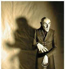 Nosferatu-med-vampire