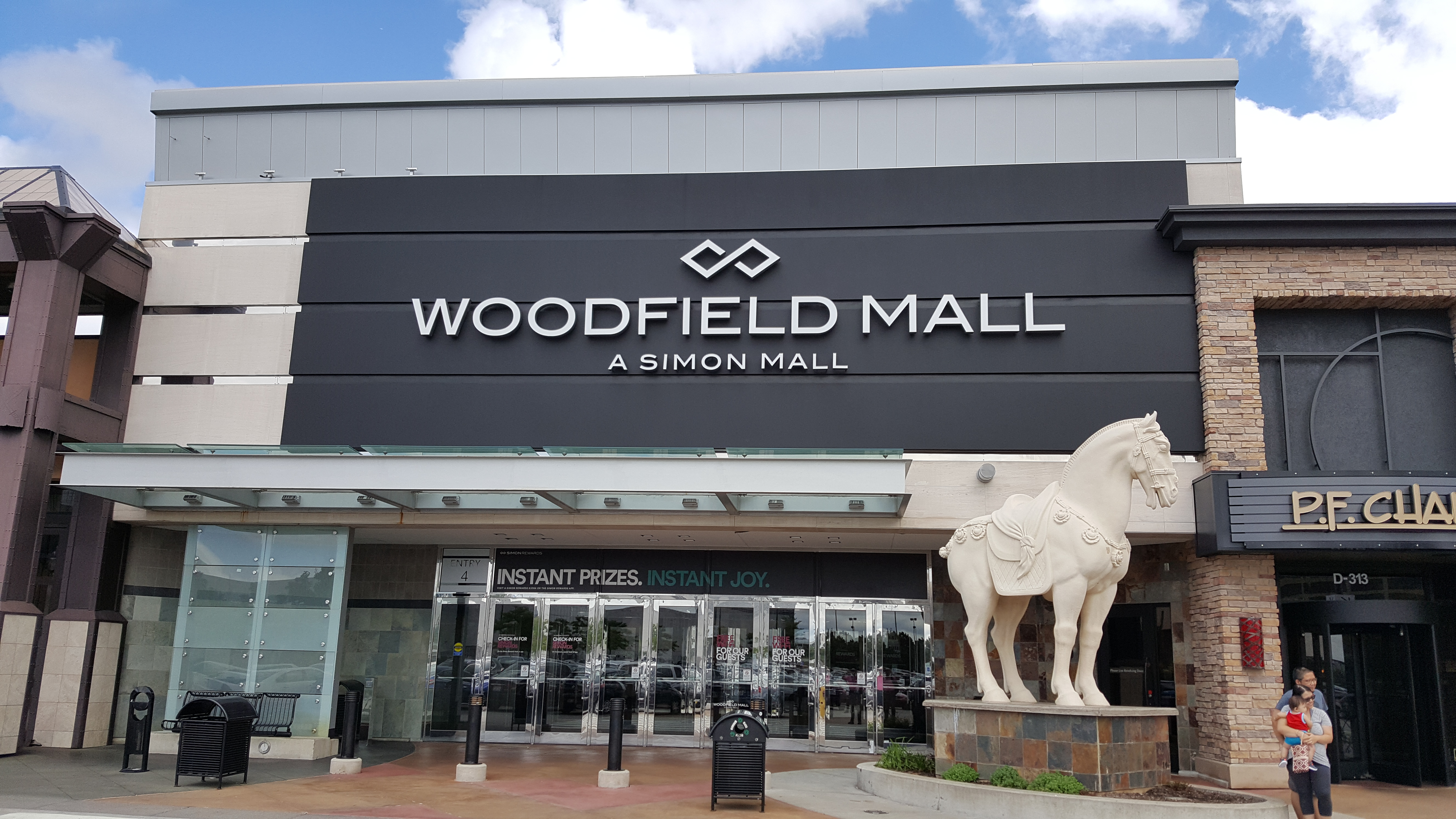 Woodfield Mall Malls And Retail Wiki Fandom