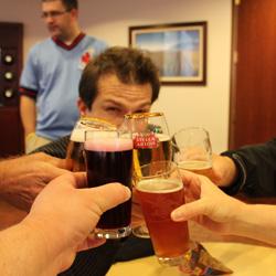 File:Beers-cheers-st-louis.jpg