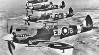Cazas Spitfire dirigiendose hacia Leon