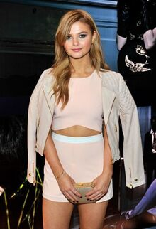 Stefanie-scott-at-w-stories-oresented-by-leon-max-in-los-angeles 1