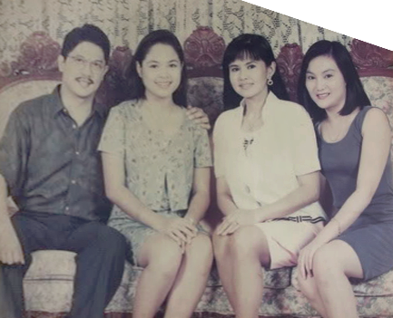 File:Family photo.png