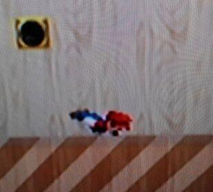 Mario haciendo la burla lateral de Luigi