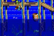 DKC3GBA Screenshot Wirbelnde Wellen 7