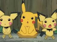 Pikachu y 2 pichuz