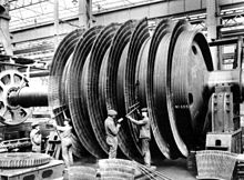 220px-HMHS Britannic turbines being assembled