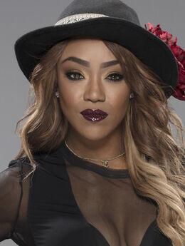 Alicia hat