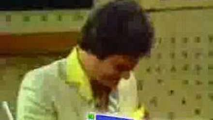 Bloopers - Daryl Somers In 1982 Family Feud
