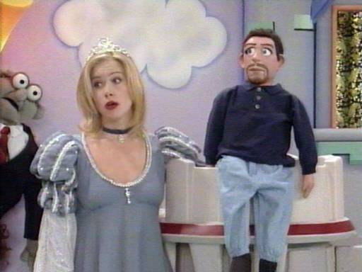 Married With Children S08E26 Kelly Knows Something - video