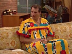 Married with children A Little Off the Top al robe