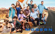 Wikia MWC - Modern Family group shot