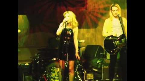 MARS ARGO - LIVE (LOS GLOBOS - STEPDAD 2013) STUCK ON YOU (CLIP 2)