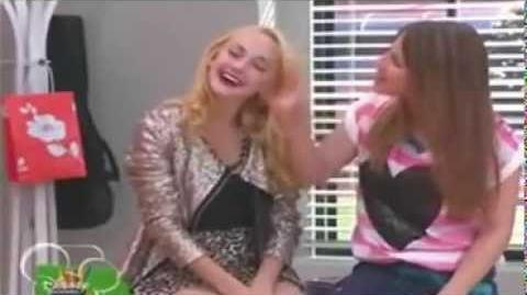 "Violetta 2 Federico et Lena chante ""Veo veo"""