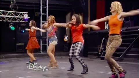 """Violetta 3 - Las chicas bailan """"Encender Nuestra Luz"""" (Ep 20)"""